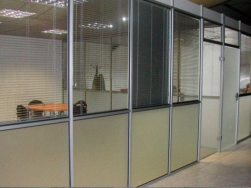 Divisiones para oficina piso techo